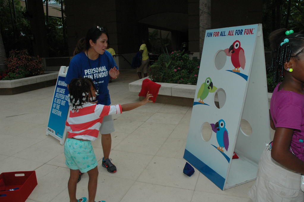 Carnival Cruise Lines Sponsors Fun & Fit as a Family Event, Part of South Beach Wine & Food Festival