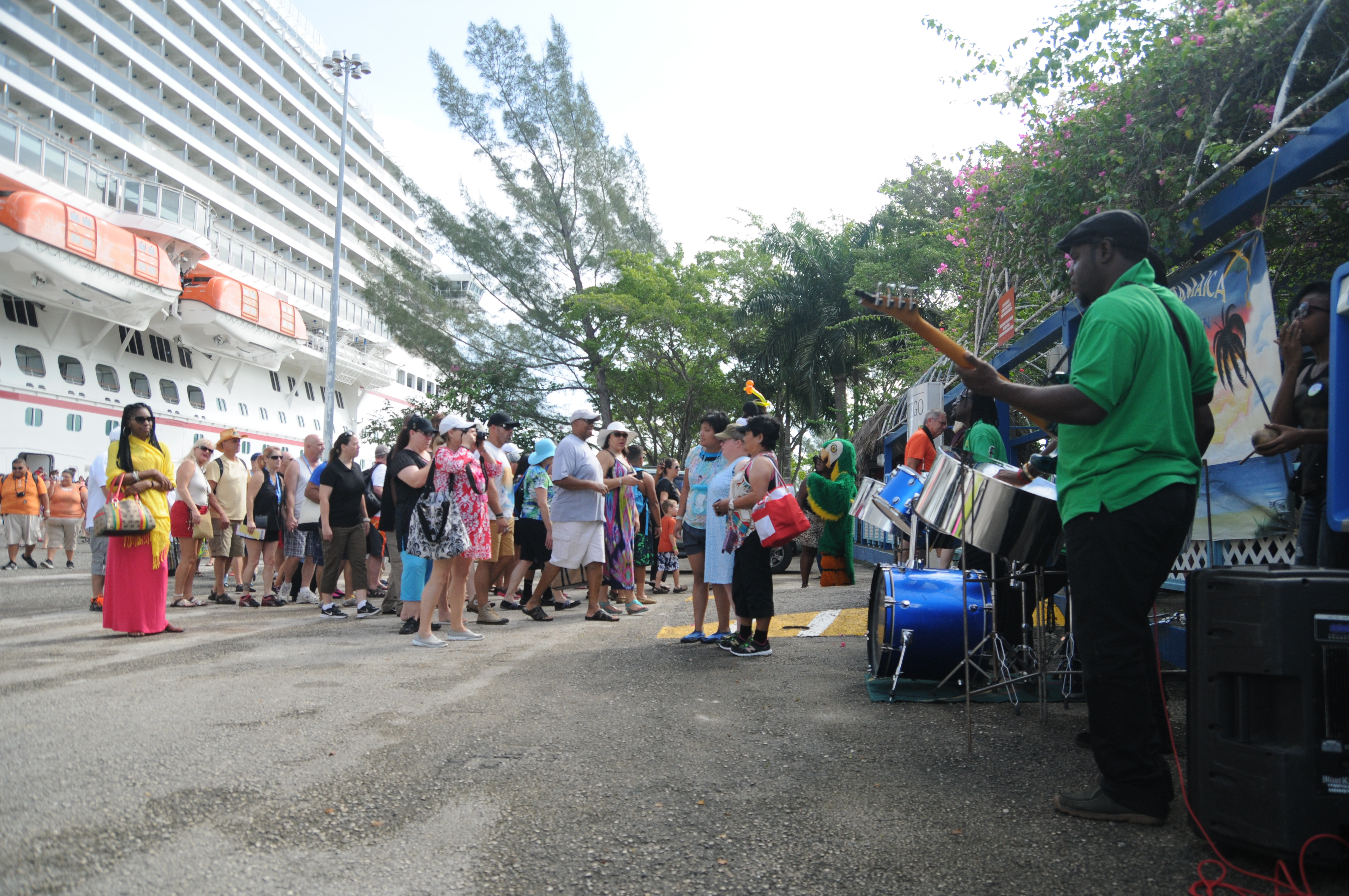 Irie, Mon! Carnival Magic Guests Receive Special Island Greeting During Montego Bay Call