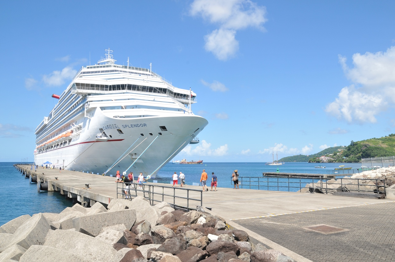 Carnival Splendor's Inaugural Call in Grenada Celebrated With Special Shipboard Reception