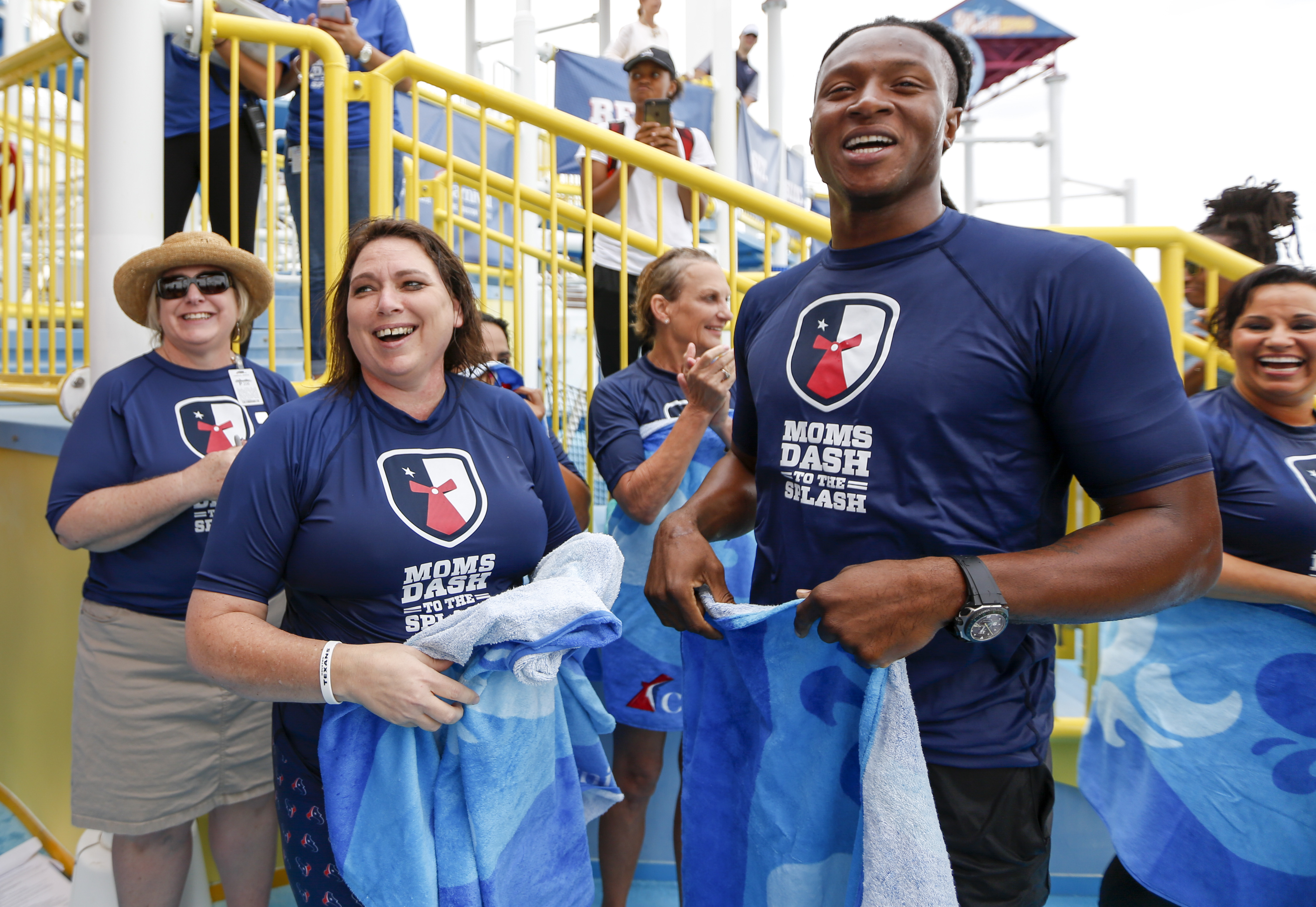 Galveston Arrival of Carnival Breeze Celebrated With Fun Mother's Day Event