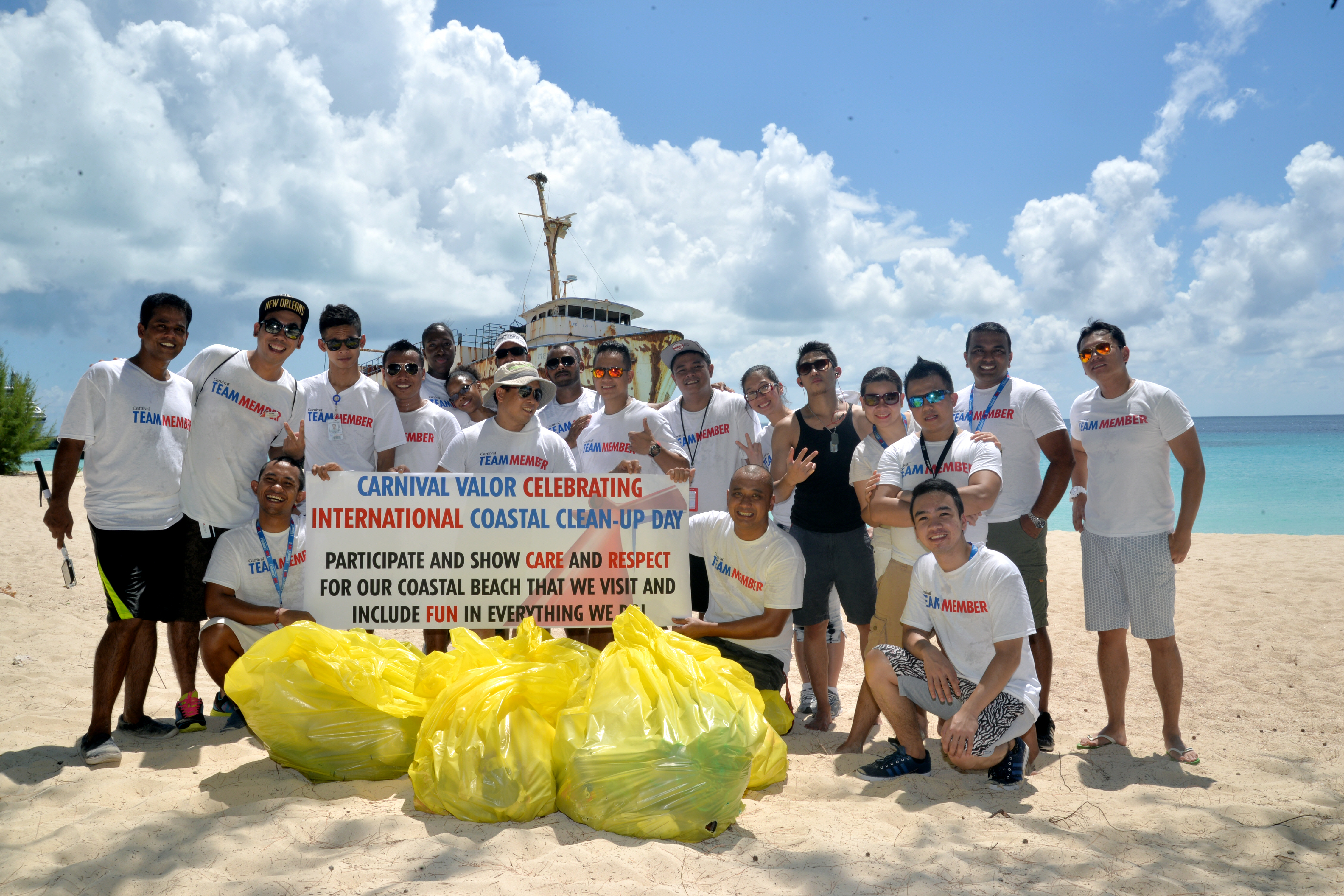 Carnival Shipboard and Shoreside Employees Participate in International Coastal Cleanup Day