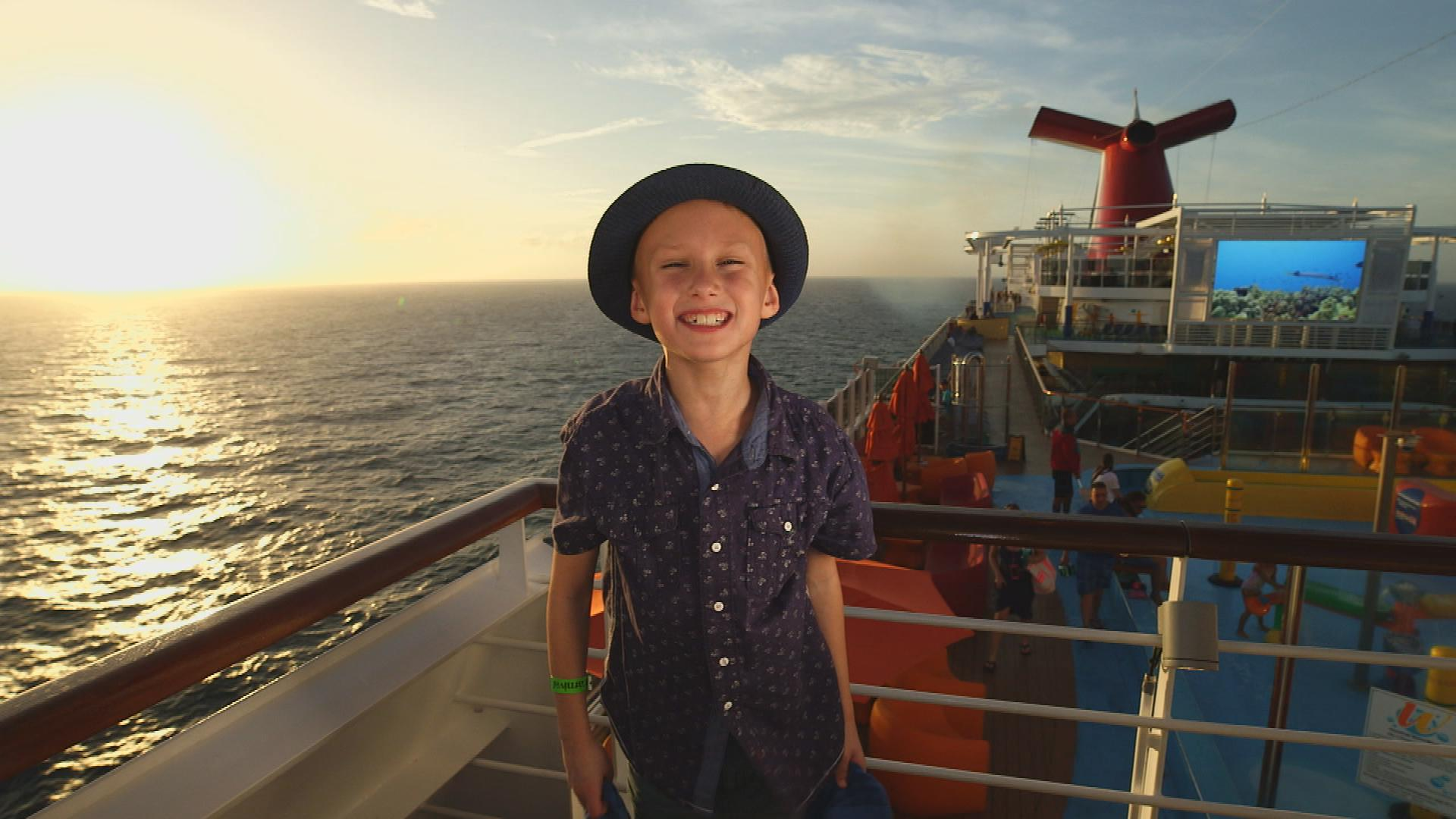 Britton Walker – Official Kid Magician of The Ellen DeGeneres Show – Leaves Carnival Vista Guests Speechless with His Incredible Talent!