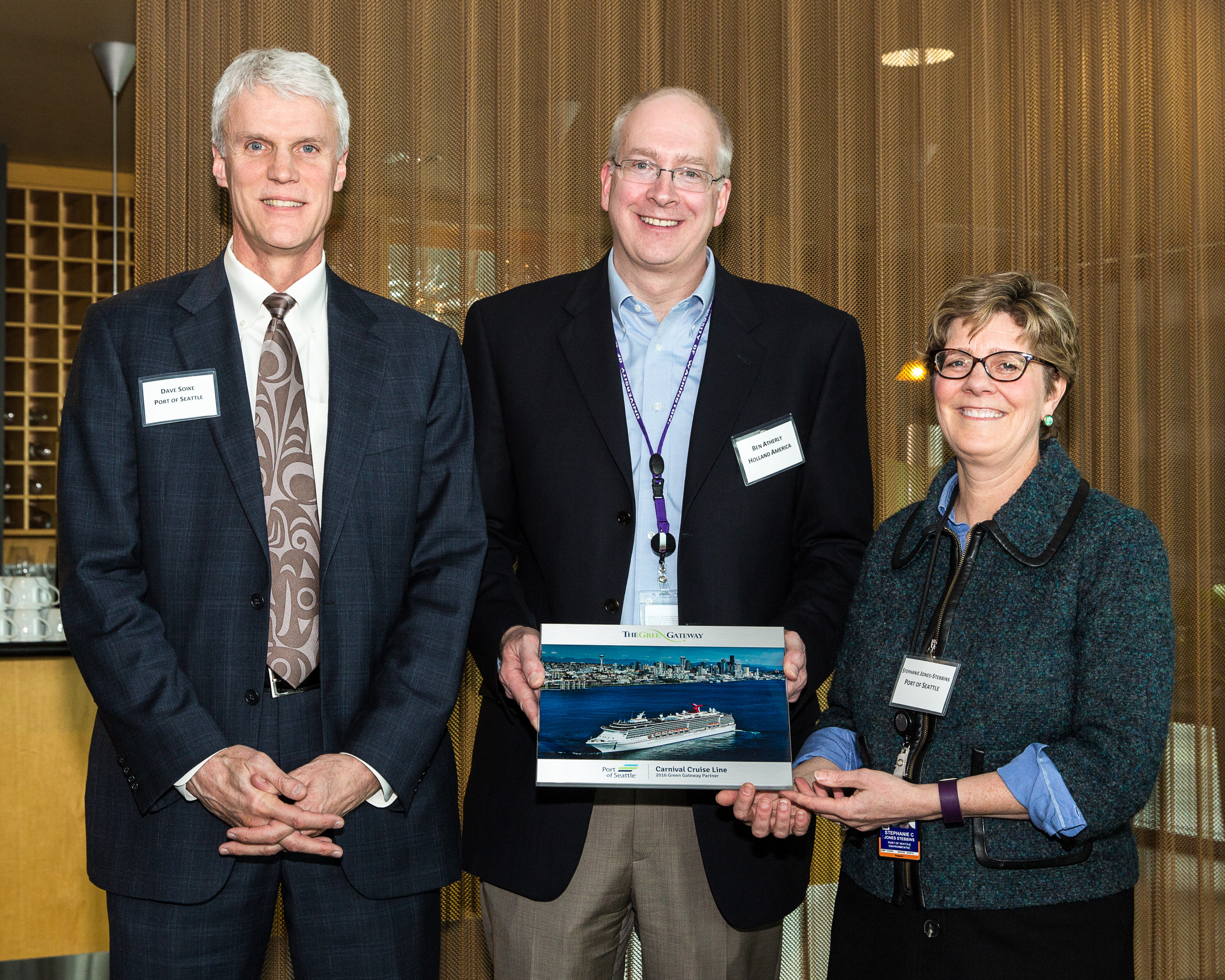 Carnival Cruise Line Receives Second Consecutive Program Innovator Award and Green Gateway Partners Award from Port of Seattle