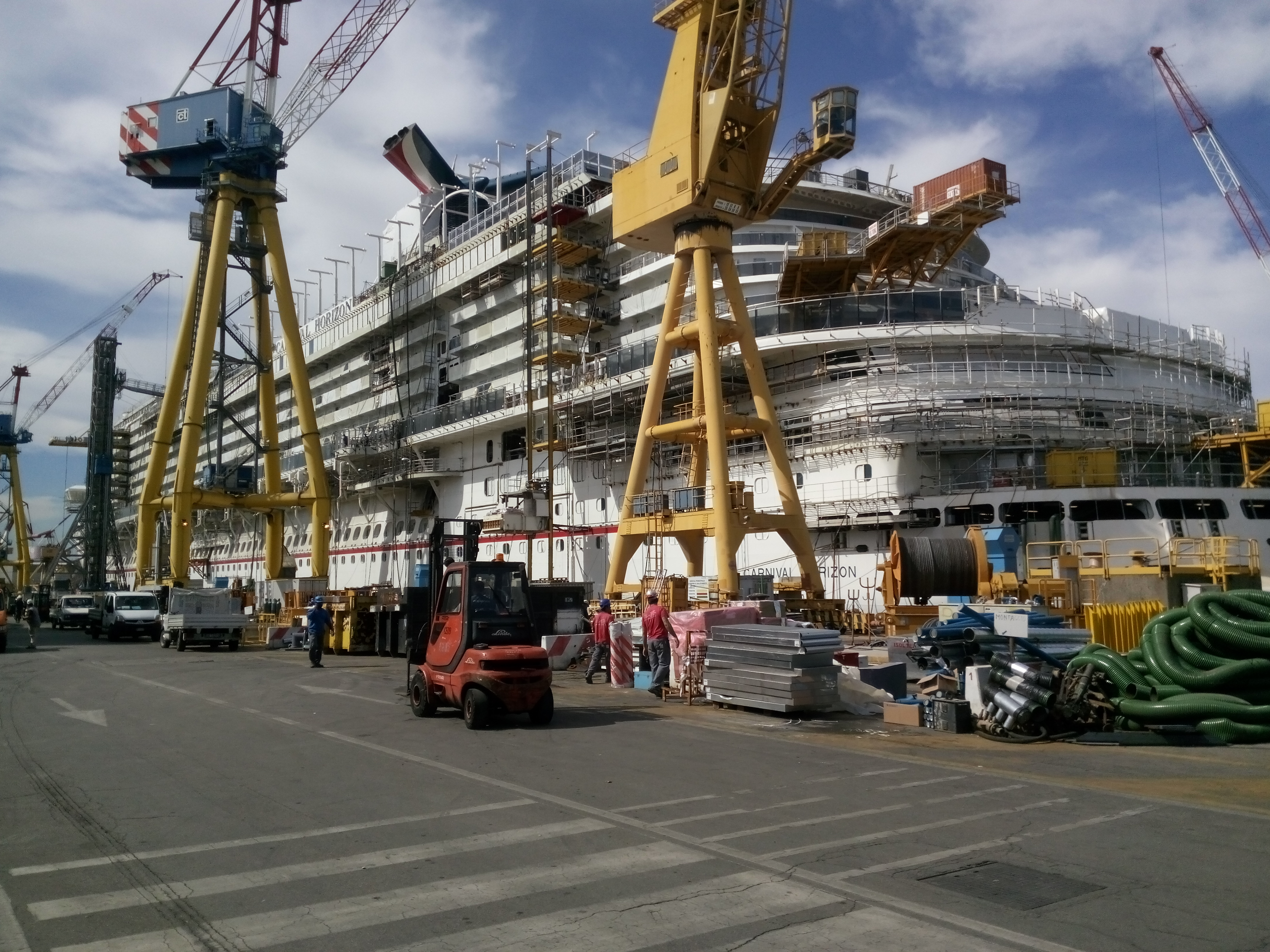 Construction of New 133,500-ton Carnival Horizon Continues at Fincantieri Shipyard in Marghera, Italy