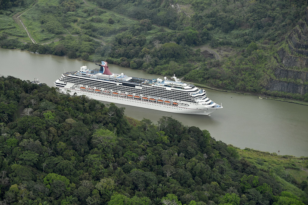 Carnival Splendor, Carnival Miracle Transit Panama Canal En Route to New Homeports