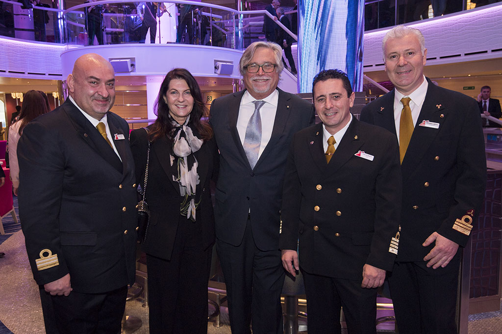 Carnival Cruise Line Takes Delivery of 26th Ship, Carnival Horizon