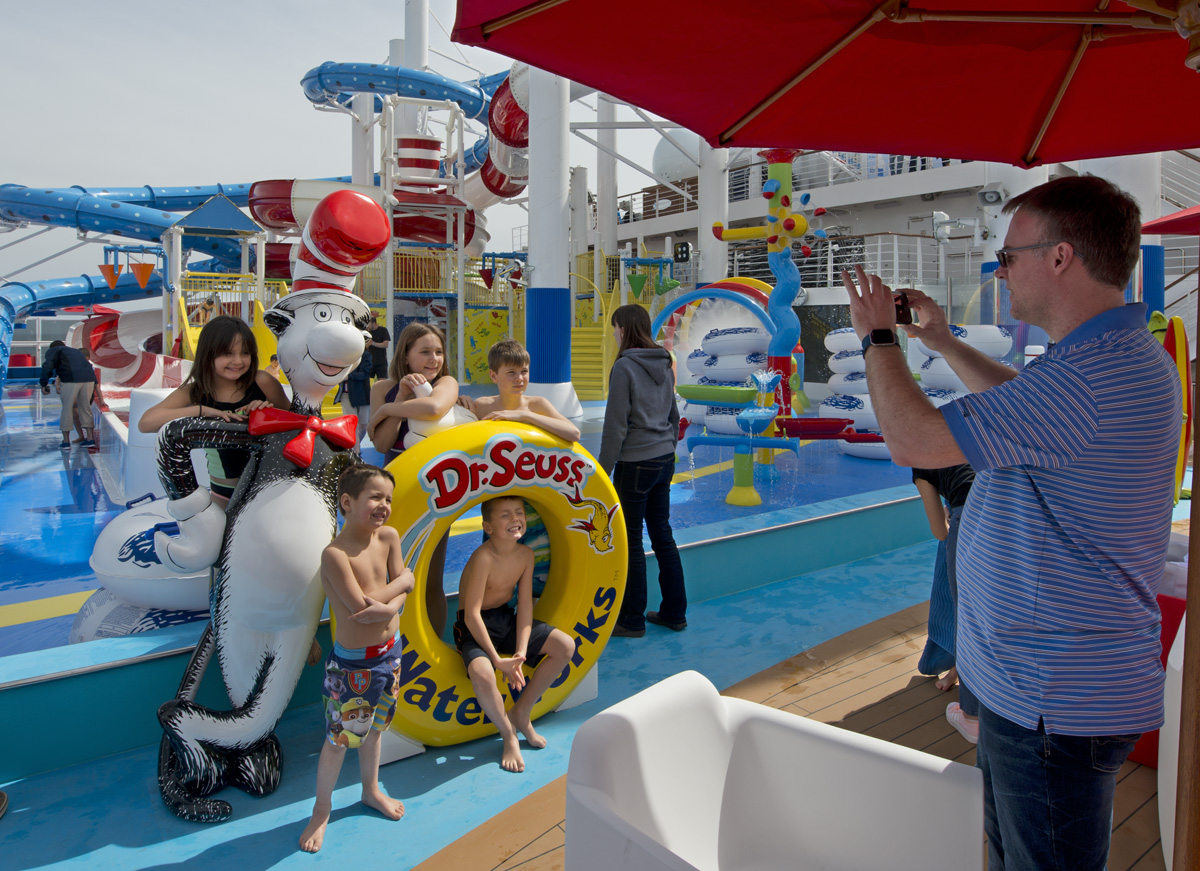 New Carnival Horizon Sails on Maiden Voyage from Barcelona