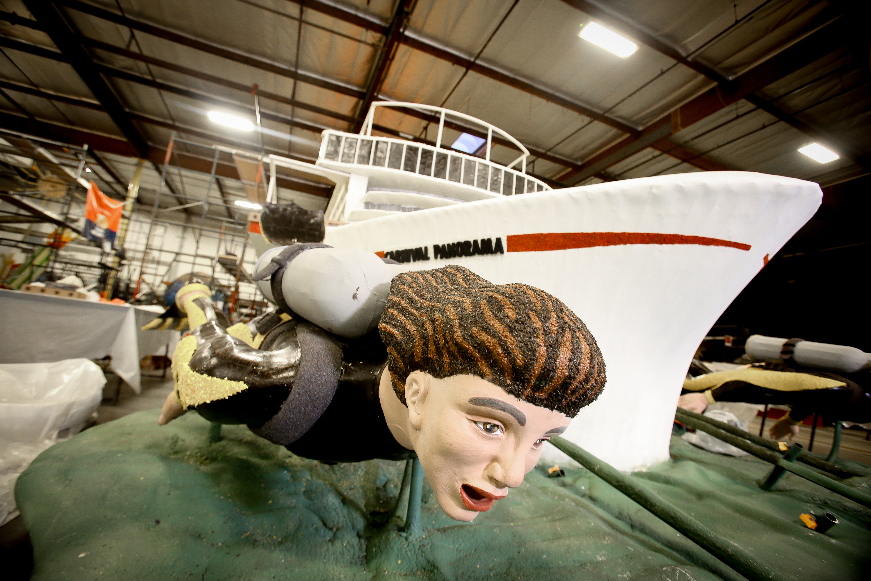 Royalty and Roses Marks Ceremony to Name Carnival Cruise Line Float for Rose Parade