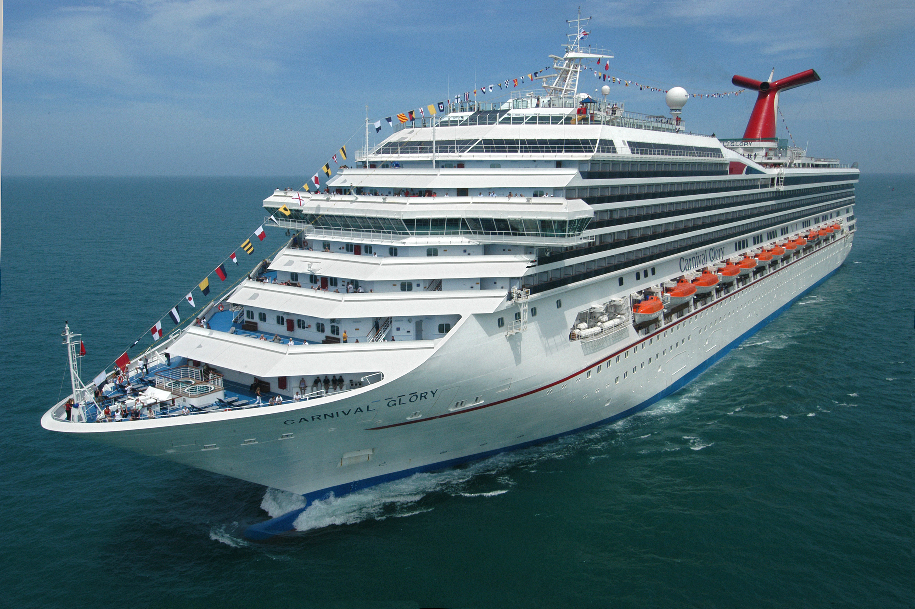 Carnival Glory Launches Year-Round Service from New Orleans