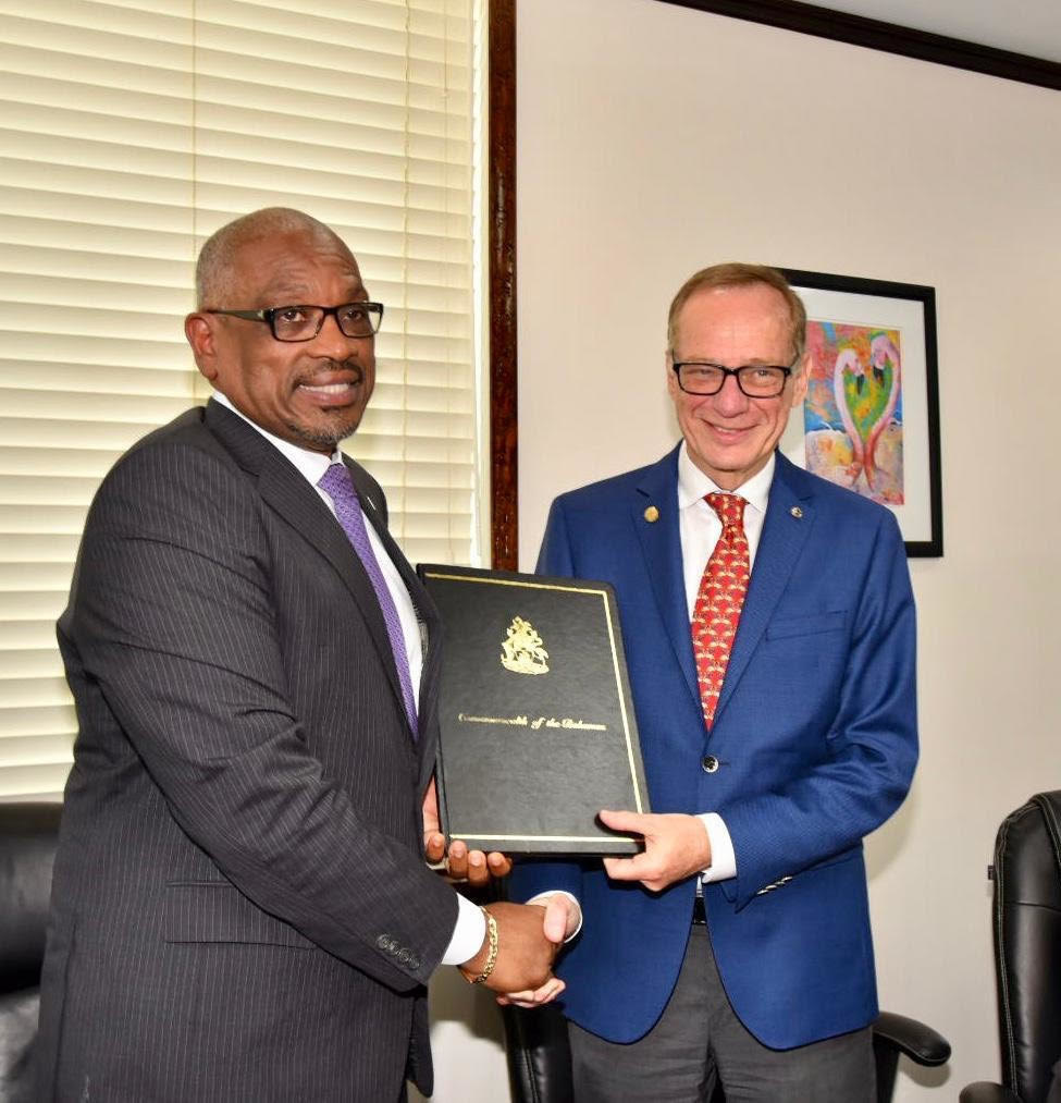 Carnival Corporation, Government of The Bahamas Sign Agreements to Develop Two New Destination Projects