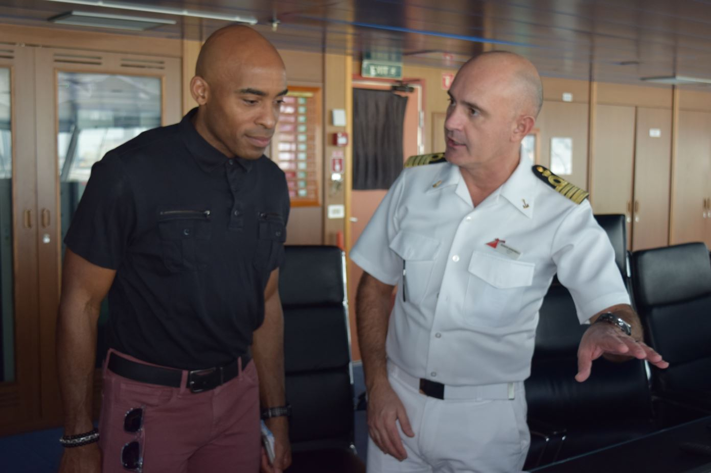 NFL Legend and KultureCity Board Member Tiki Barber Tours Carnival Conquest to Get First-Hand Look at Line's Offerings for Guests with Sensory Issues